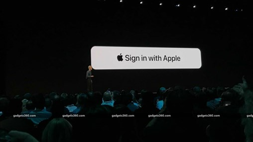 Apple Takes on Facebook, Google With Privacy-Focussed 'Sign in With Apple'