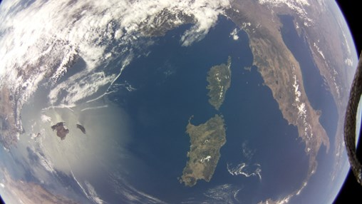 Pi in the Sky: Raspberry Pi Photographs, Records Earth From Space