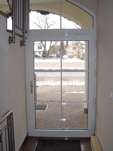 Door damper VS 2000 on entrance door