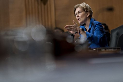 Warren Asks If Mulvaney Also Favors Lobbyist Donors at CFPB