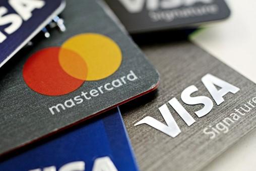 Mastercard, Visa Propose Cutting Fees for European Merchants