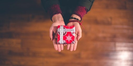 Consumers Have No Reservations About Using P2P Payments to Give Cash During the Holidays