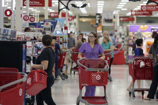 Shoppers Love Rewards Credit Cards. Retailers Hate Them.